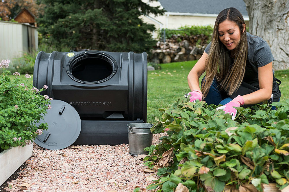How does a Compost Tumbler Work?